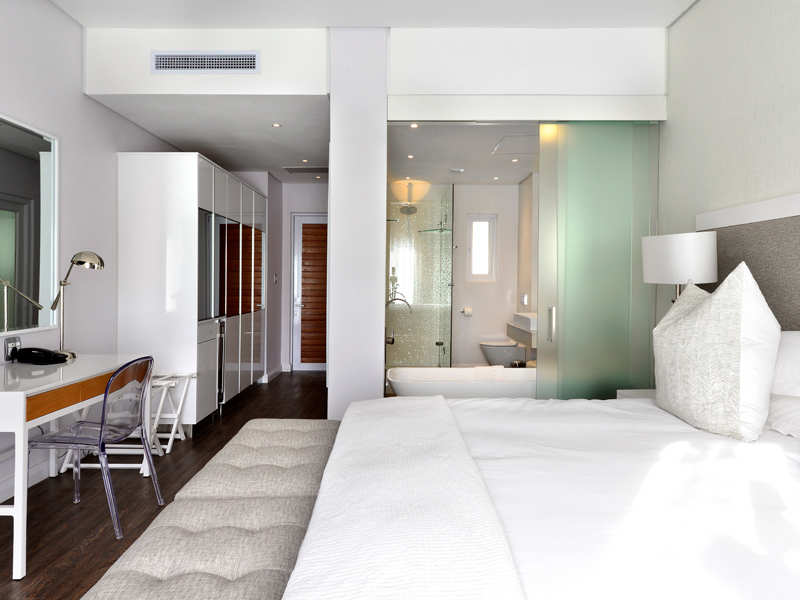 Fh Boutique Hotel Blanc Room Bed