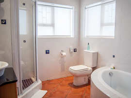 Bay Lodge Guest House Accommodation In Mossel Bay Bathroom
