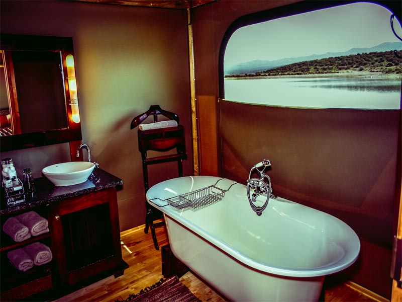 Cape Hotels The Unique A&E Portfolio Buffelsdrift Game Lodge Oudtshoorn Waterfront Tent Bathroom