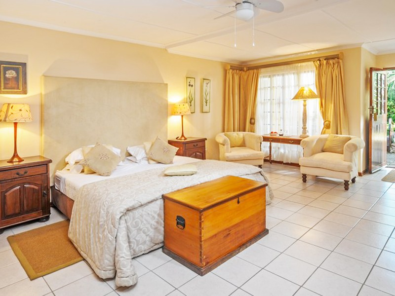 Addo Accommodation Cosmos Cuisine Room L