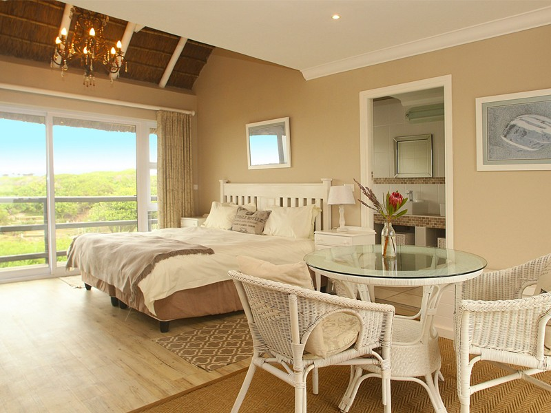 Cape St Francis Beach Break Villas Double Roomed