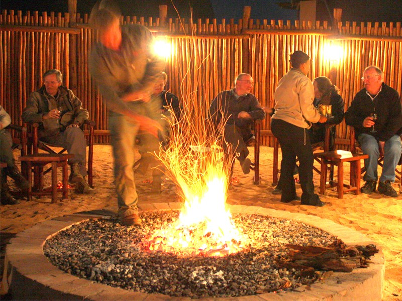 Kgalagadi Accommodation Transfrontier Park Facilities ! Xaus Lodge Fire