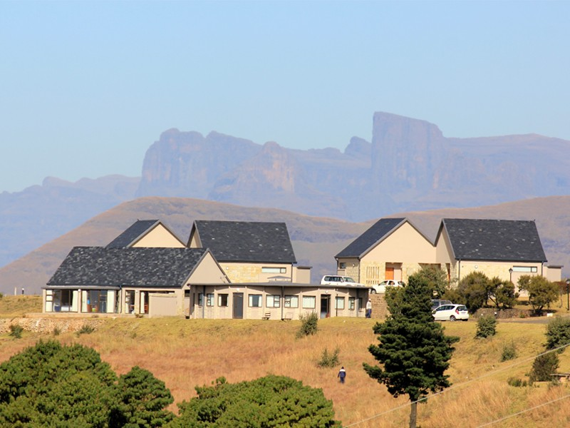 Drakensberg Accommodation Conservation Area Witsieshoek Mountain Lodge Exterior 2